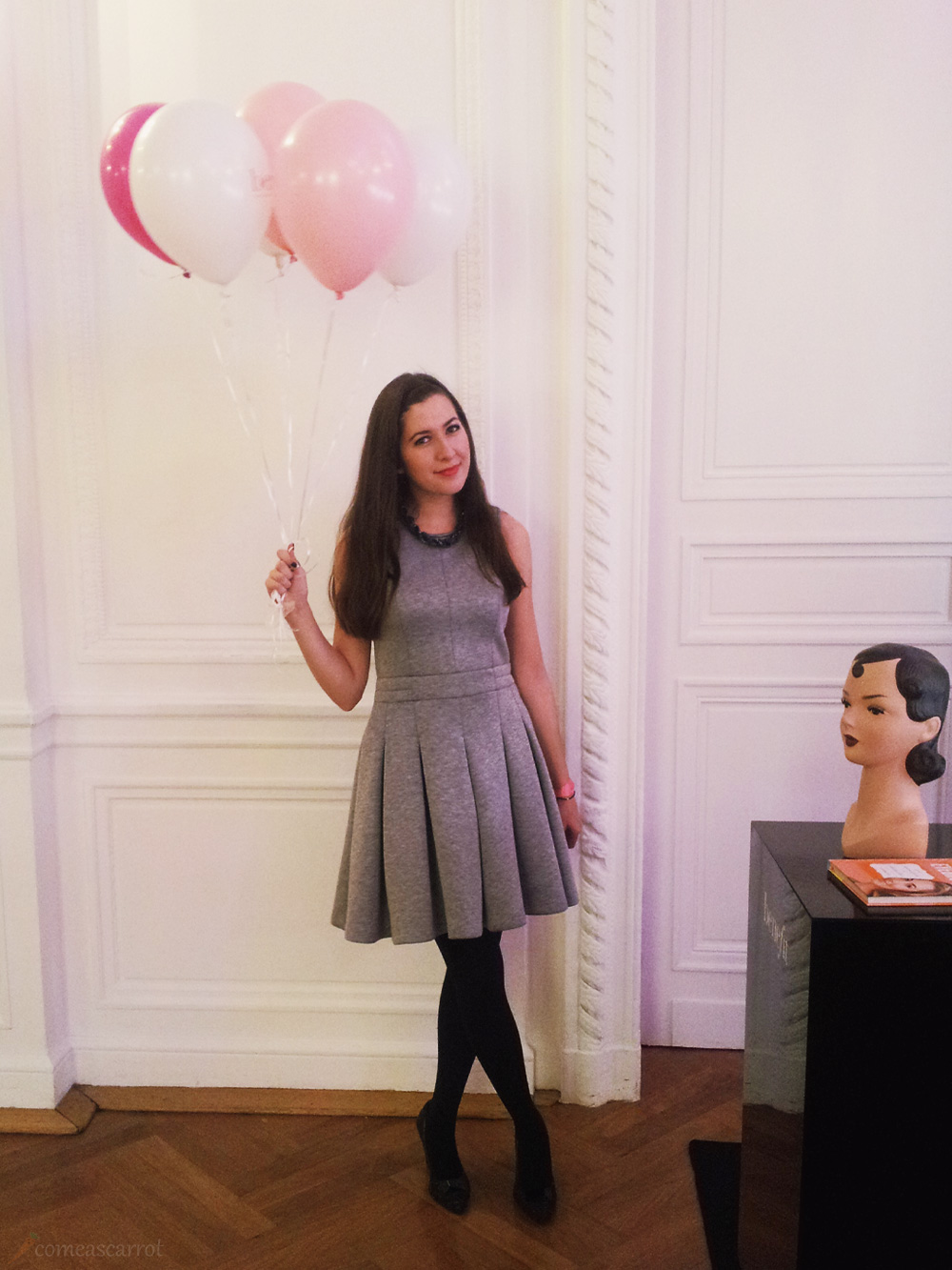 shoe step of the year 2014, award, event, blogger, benefit, ballons, clarks shoes, comptoir des cotonniers, outfit, dress, grey