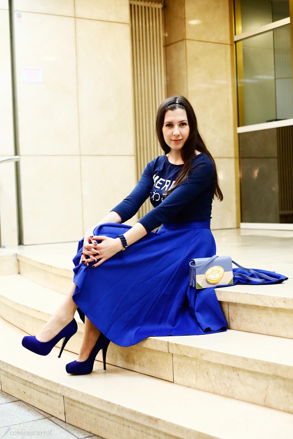 outfit_comeascarrot_blue_midi_benedetta_bruzziches_lemon_02-2