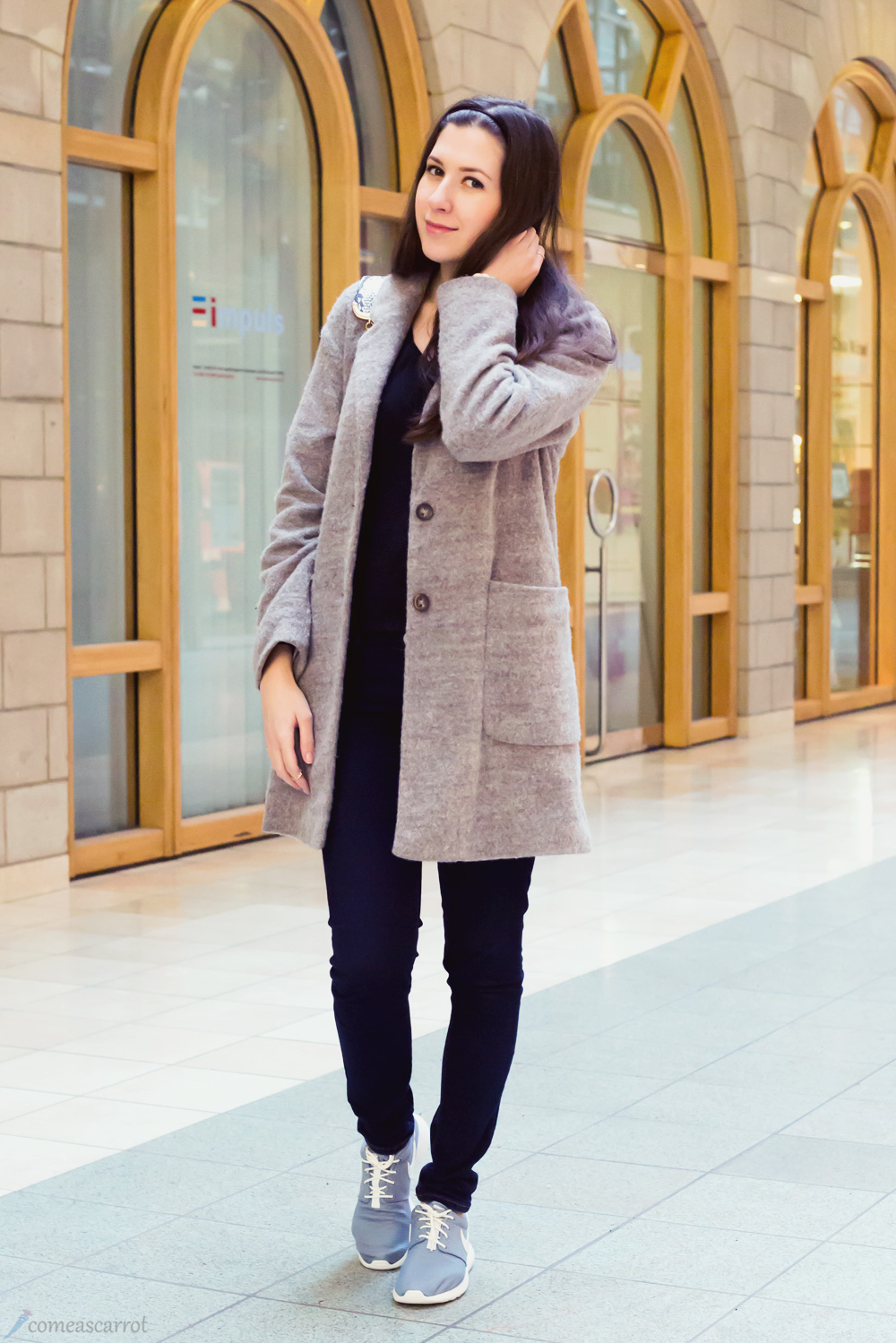 outfit, grey, nike roshe run, angel jackson, josie loves, bag, satc, coat, satc tasche