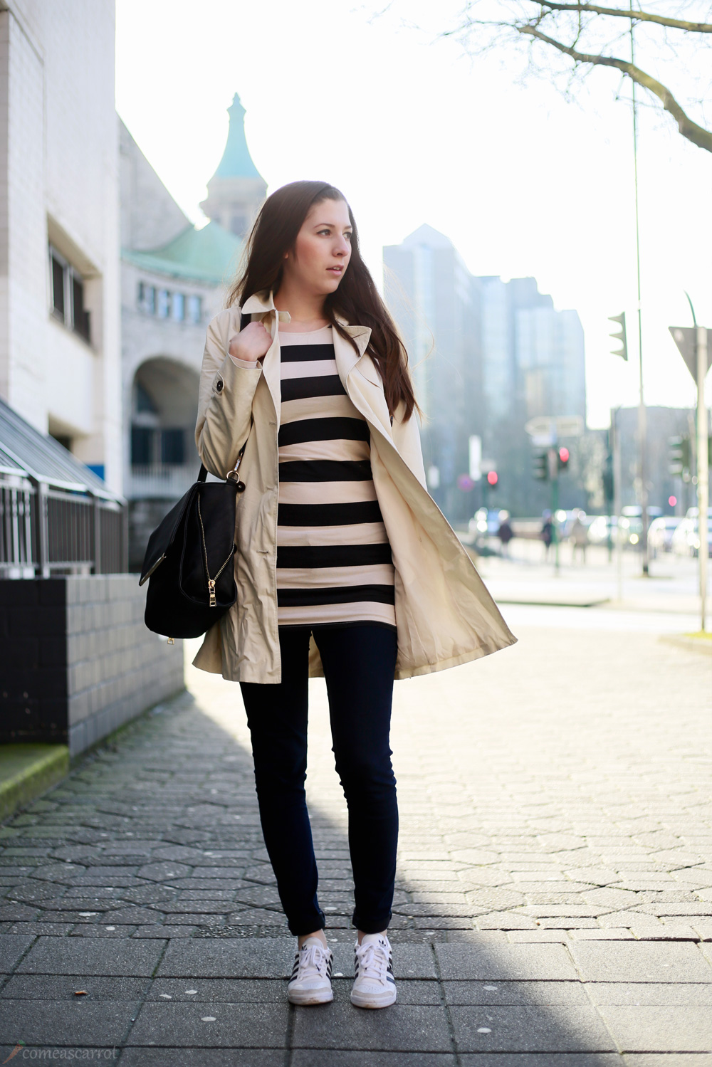 outfit, spring, shopping, look, stripes, trenchcoat, adidas, sneakers, black and white