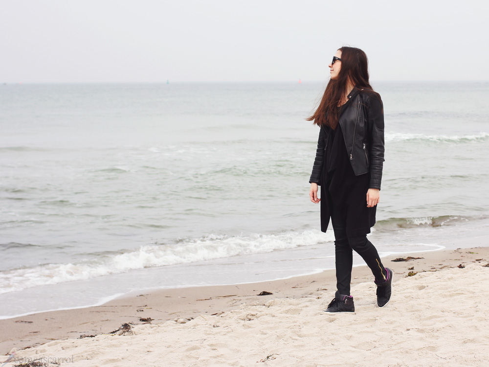outfit, beach, rostock, lederjacke, cardigan, adidas top ten hi sleek, le specs, warnemünde
