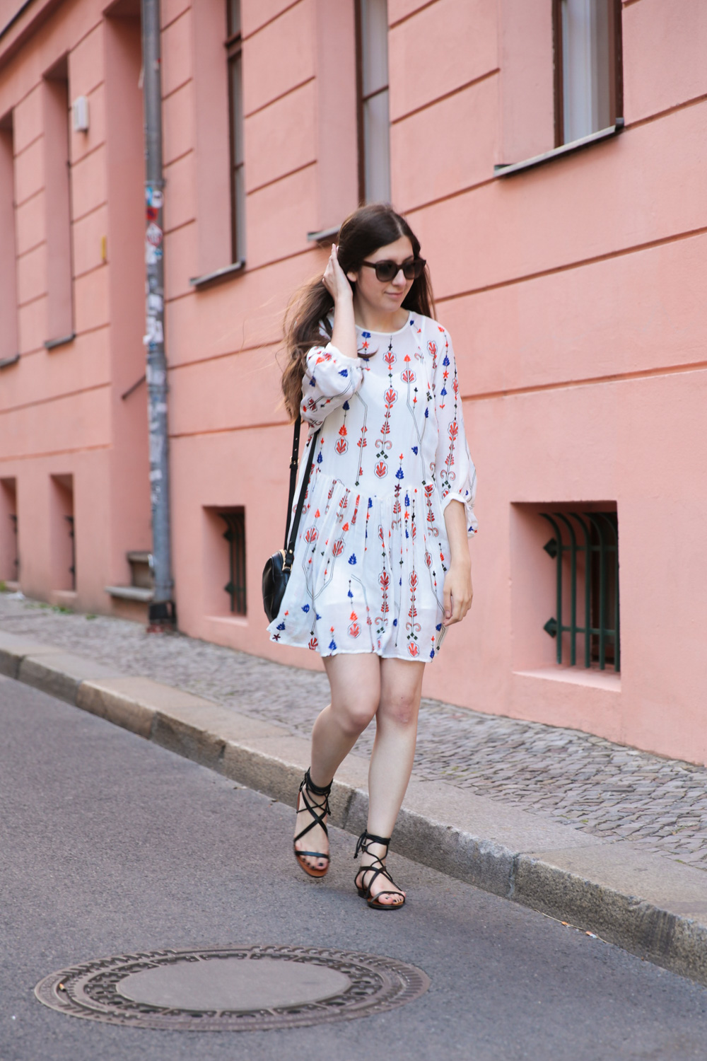 outfit, white, zara, dress, berlin, fashion week, streetstyle, outfit, mango, schnürsandalen