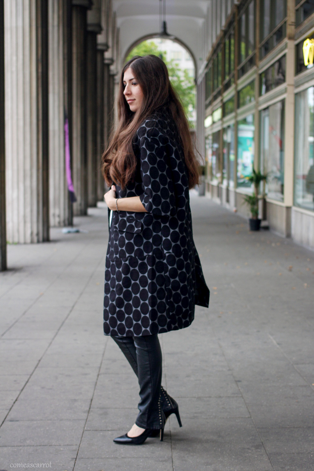 outfit, marni, h&m, hm, coat, mantel, polka dots, leather pants, leggings, a-linien, mantel