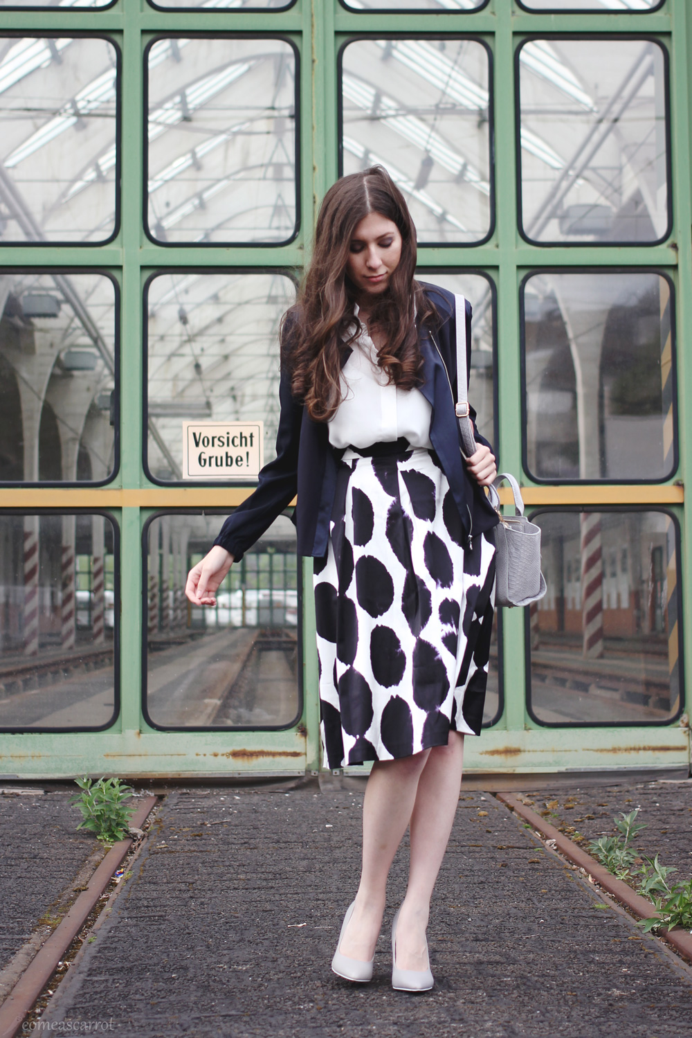 fashion blog, düsseldorf, skirt, dots, reserved, silk jacket
