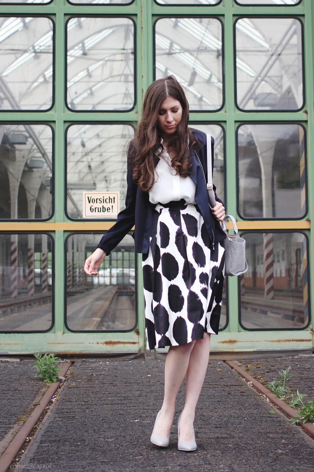 fashion blog, düsseldorf, skirt, dots, reserved, silk jacket