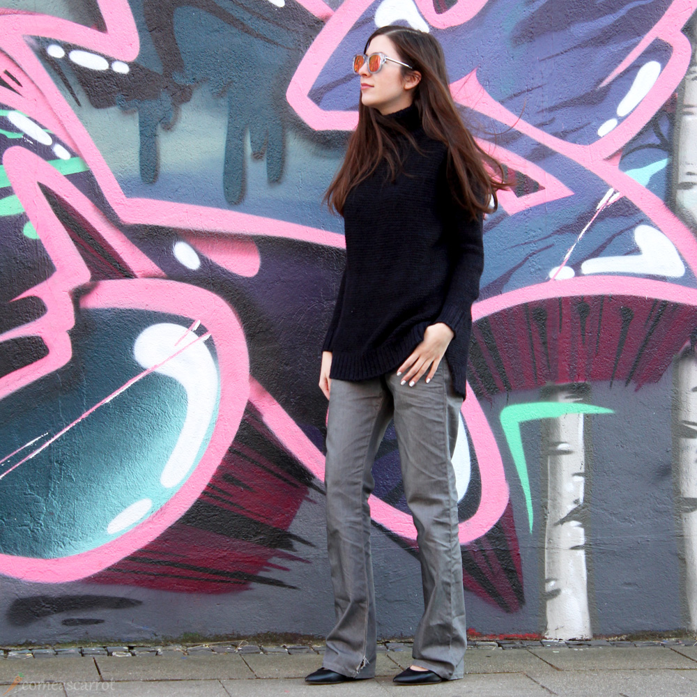fashion blog, outfit, essen, flared jeans, zara knit, mirrored sunglasses, lespecs
