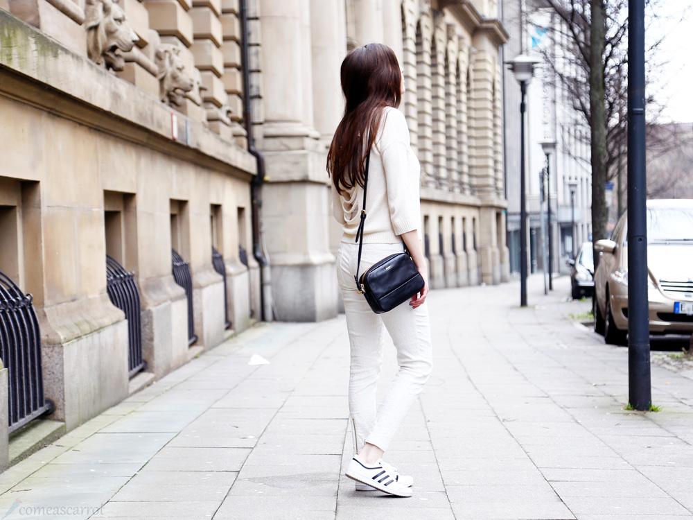 fashion blog, streetstyle, all white, joop, essen, adidas, sneaker